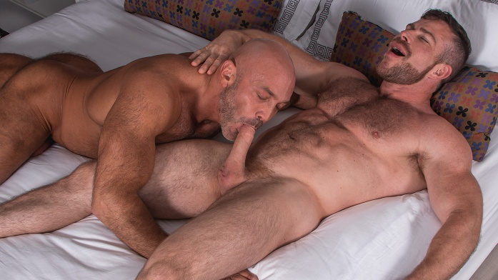 Naughty Gay Guys Enjoy Blowing